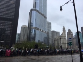 Chicago-Trump tower crowd